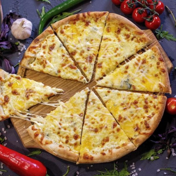 Пицца 4 сыра порезанная - Зерна Королев